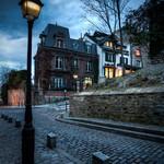Lampadaire dans une rue de Montmartre